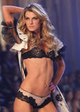 th_10100_fashiongallery_VSShow08_Show-40
