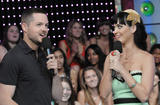 th_11293_Celebutopia-Katy_Perry-MTV_TRL-08_122_152lo.JPG