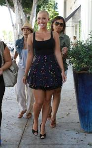 > Amber Rose Shopping Candids In Los Angeles - Photo posted in The TV and Movie Spot | Sign in and leave a comment below!