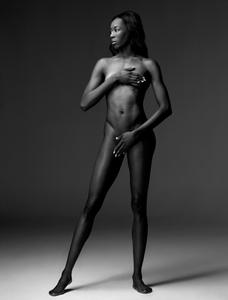 http://img194.imagevenue.com/loc210/th_957938998_destinee_hooker_espn_bodyissue_28_122_210lo.jpg