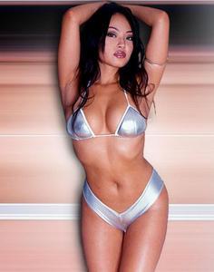 natasha yi th nude sexy