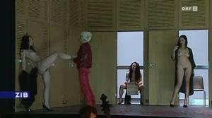 Threepenny Naked Opera Scene