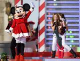 Miley Cyrus Performs in the Magic Kingdom in Lake Buena Vista Dec. 6th x 3 HQ