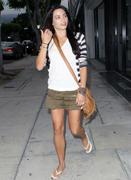http://img194.imagevenue.com/loc551/th_52853_Jenna_Dewan_shopping_in_Beverly_Hills3_122_551lo.jpg