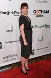 Nov 29, 2010 - Amber Tamblyn - 20th Annual Gotham Independent Film Awards Th_64761_tduid1721_Forum.anhmjn.com_20101201074851003_122_588lo