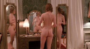 http://img194.imagevenue.com/loc77/th_061570358_NicoleKidman_BillyBathgate1991HD1080pBluRay.00_00_20_10.Still001_123_77lo.jpg