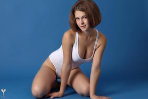 http://img194.imagevenue.com/loc90/th_365102667_tduid300163_silver_angels_Sandrinya_I_whiteswimwear_1_071_122_90lo.jpg